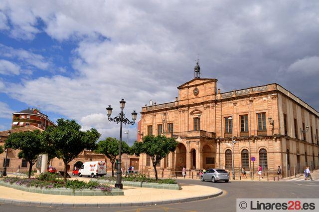 Aprobados los presupuestos del Ayuntamiento de Linares para 2011