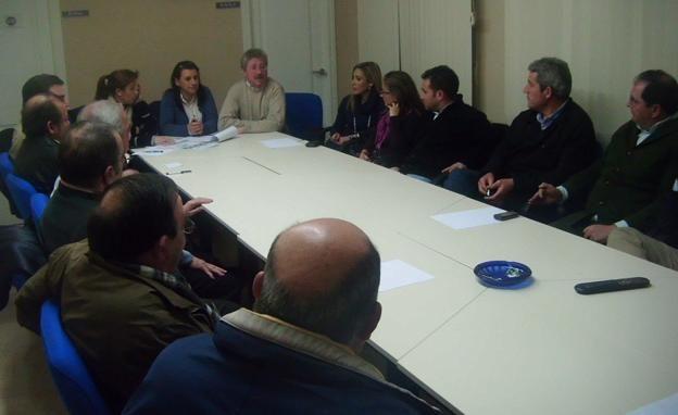 El PP de Linares continúa su ronda de reuniones con las peñas taurinas