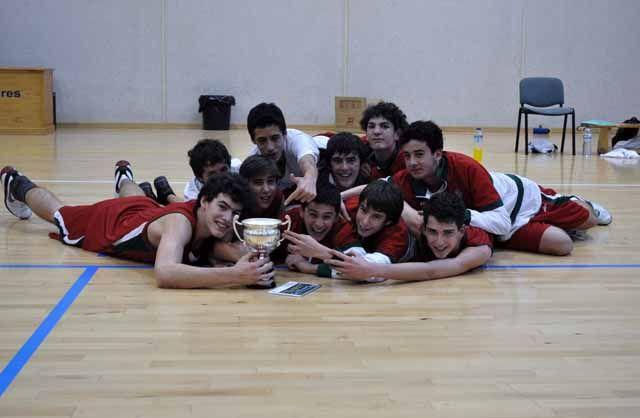 Éxito en el Torneo de baloncesto organizado por el C.A.B. Linares