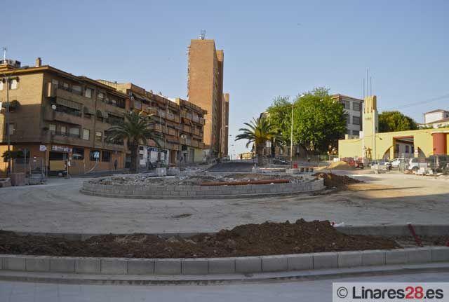 La nueva rotonda de la plaza Juanfra Garrido va tomando forma