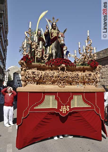 Perfecto inicio de la Semana Santa de Linares 2011