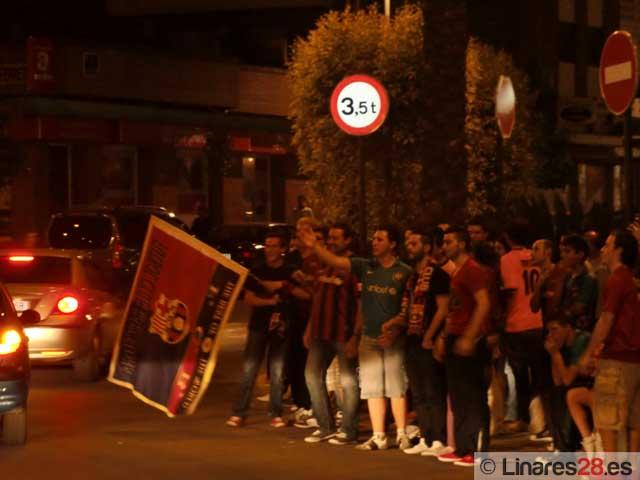 Los barcelonistas linarenses celebran el campeonato de liga