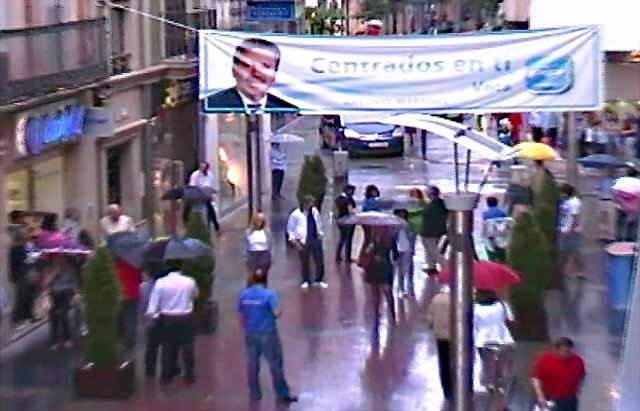 El Partido Popular de Linares moviliza a la población contra el paro con un flashmob