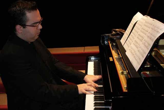 Antonio Ariza Momblant, del piano a la dirección de orquesta