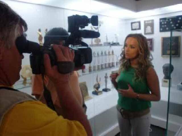 La Televisión rusa visita Linares para grabar un especial del artista Raphael