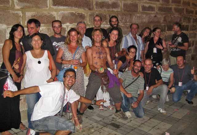 Los voluntarios de Cástulo disfrutan de las tapas de Linares