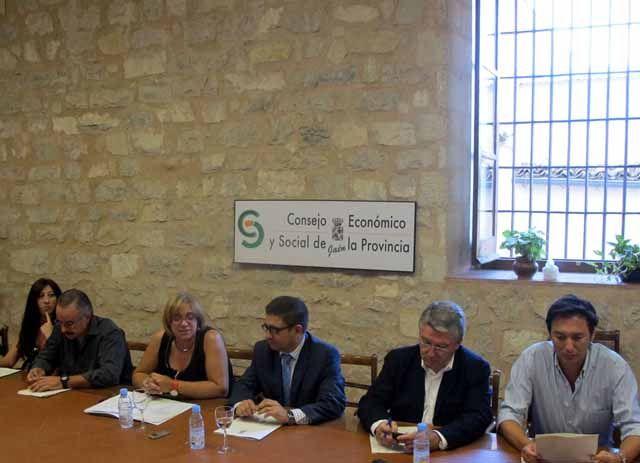 Reyes reafirma el compromiso de la Diputación con el CES Provincial