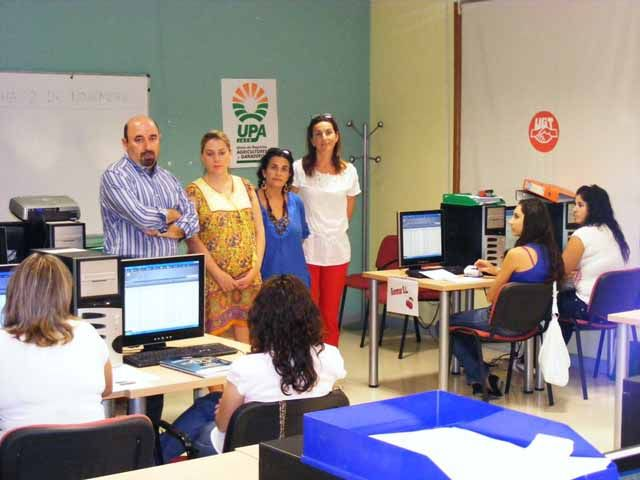 """Manuel Salazar e Irene Sabalete visitan a los alumnos del curso """"Creación y Gestión de Empresas: Autoempleo"""""""