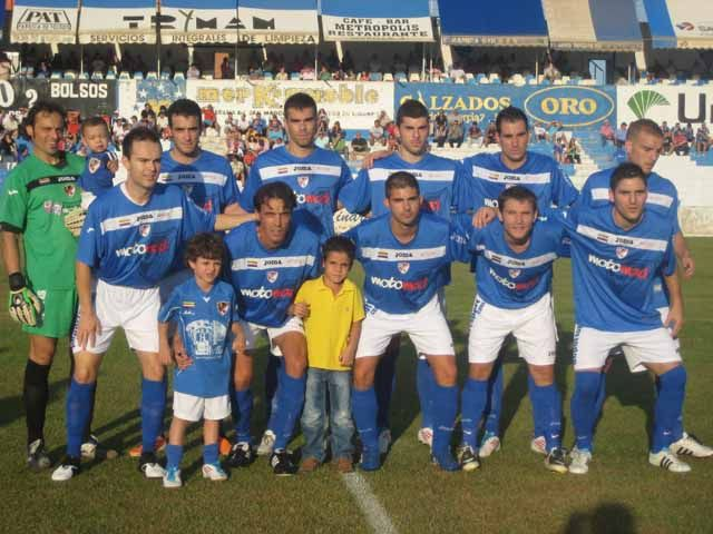 El Linares Deportivo golea al Real Jaén B y sigue líder