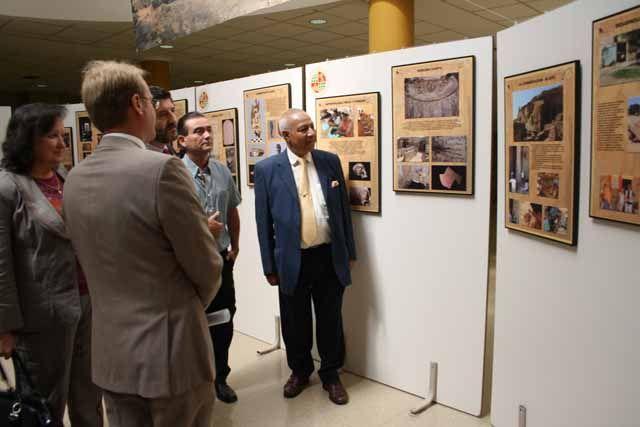 Una exposición fotográfica muestra los trabajos arqueológicos que la UJA realiza en Egipto