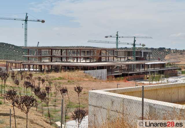 Solicitan una reunión con Griñán para tratar los retrasos en las obras del Campus de Linares