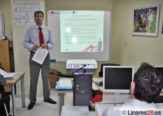 Imparten un seminario sobre la Ley de Pagos en ACIL