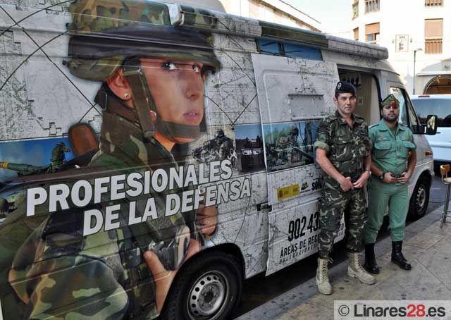 El ejército toma las calles de Linares