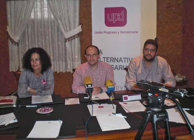 Presentación de los candidatos provinciales de UPyD en Linares