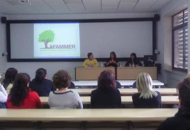 Inauguración de un curso de geriatría de AFAMMER Linares