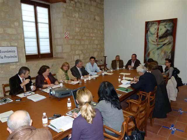 Diputación aumenta un 2,67% su presupuesto para 2012, que supera los 214 millones de euros