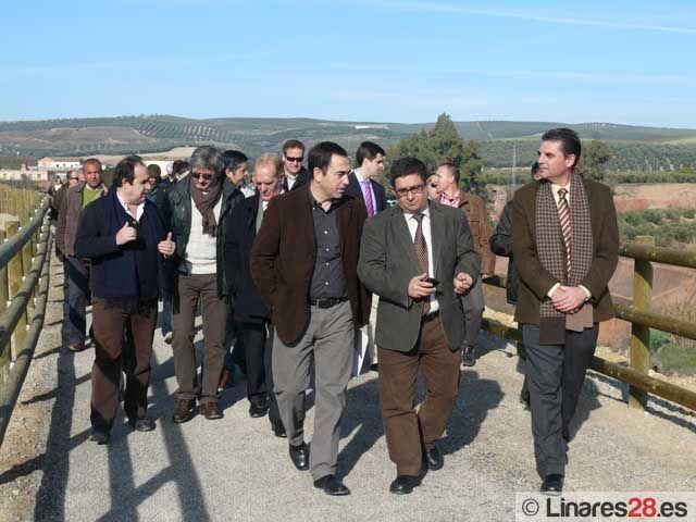 El presidente de la Diputación de Jaén inaugura la Vía Verde del Guadalimar en Linares-Baeza