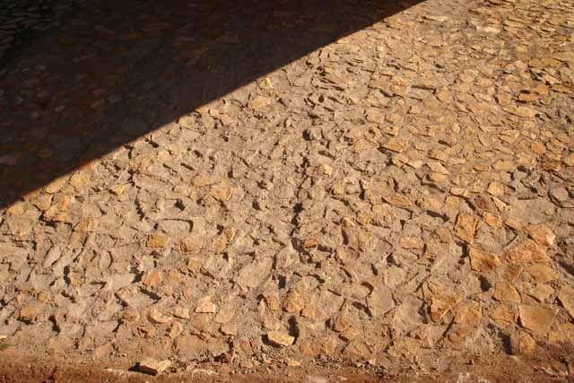 Roban piedras de uno de los puentes de la Ronda Norte