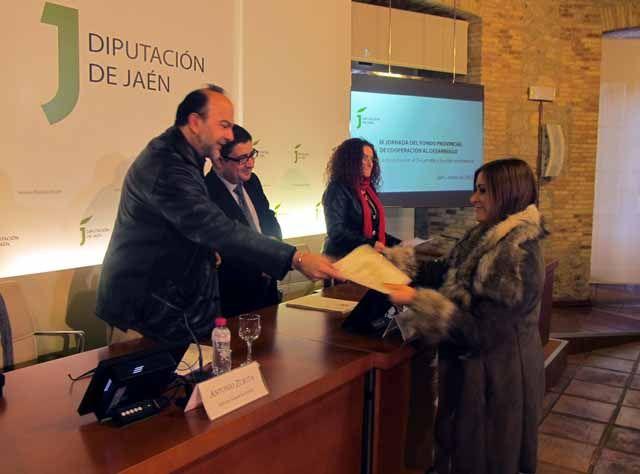 ONGs analizan cómo está afectando la crisis a la cooperación internacional en unas jornadas organizadas por la Diputación