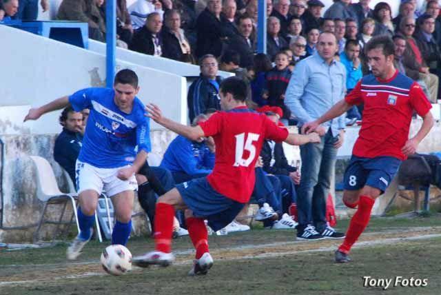 El Linares Deportivo vence y convence