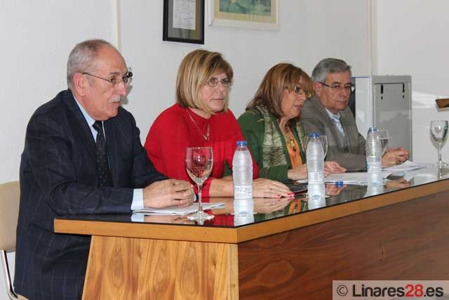 Presentan los cursos del CFPE de Linares