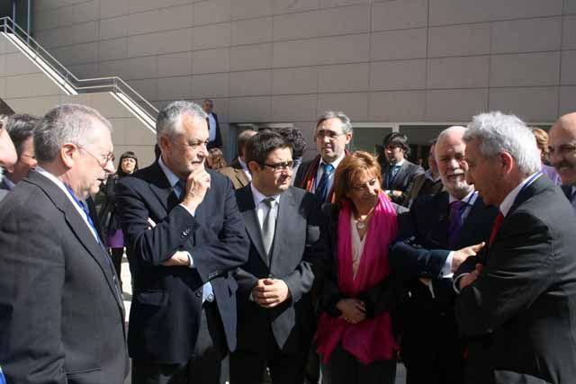 El presidente de la Junta de Andalucía visita Geolit para asistir a la Asamblea General de APTE