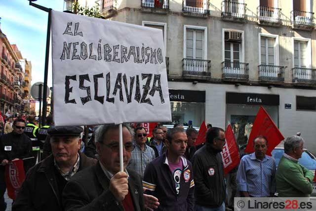 Los piquetes toman el centro de Linares ante la Huelga General