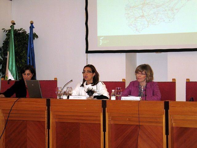 Las ayudas a ayuntamientos en políticas sociales superarán los 2,1 millones de euros en 2012