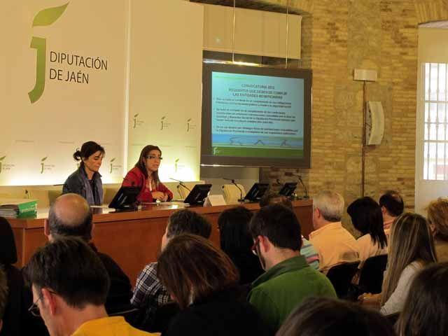Diputación destinará 136.000 euros en 2012 para financiar programas impulsados por colectivos sociales