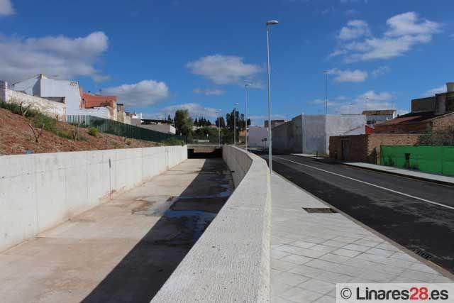 Abren al tráfico un nuevo vial para dar salida a la barriada de la Zarzuela