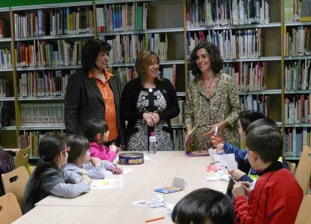 Más de 50 alumnos del colegio Santa Capilla de San Andrés de Jaén celebran el Día del Libro Infantil en la Biblioteca Provincial