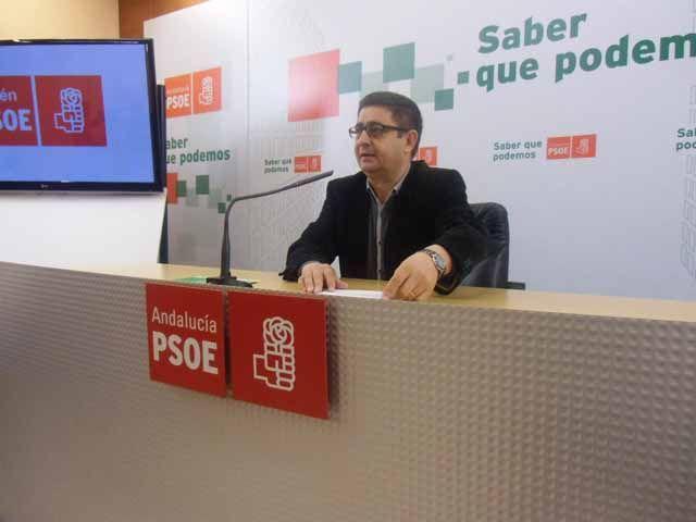 Reyes afirma que el Gobierno progresista de Andalucía será un referente en la defensa del Estado del Bienestar frente a los recortes del PP