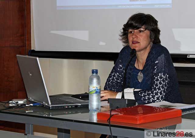 """Ángela Sánchez impartió una conferencia sobre la """"Casa del Torreón"""""""