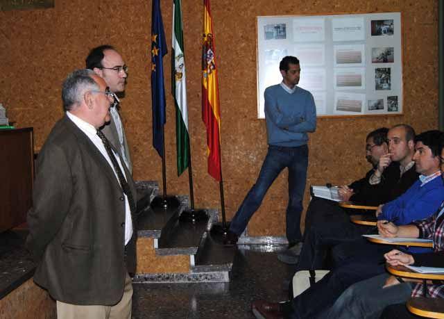 """Un total de 25 técnicos profundizan en la producción integrada del olivar en un curso del IFAPA """"Venta del Llano"""""""