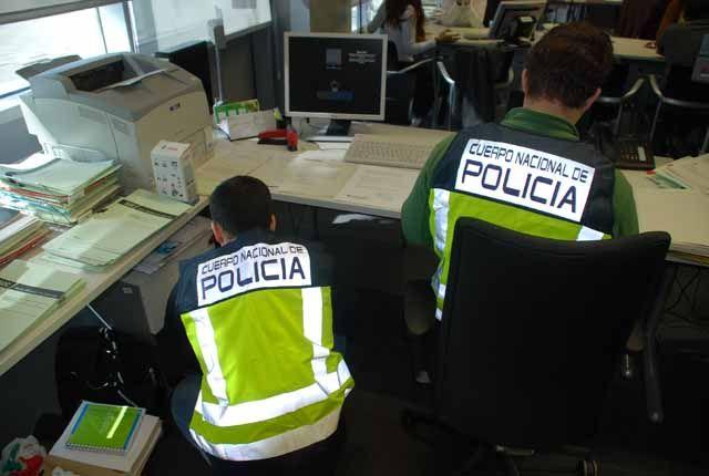 Un detenido en Linares en una operación contra una organización dedicada al mercadeo de información y datos personales y empresariales