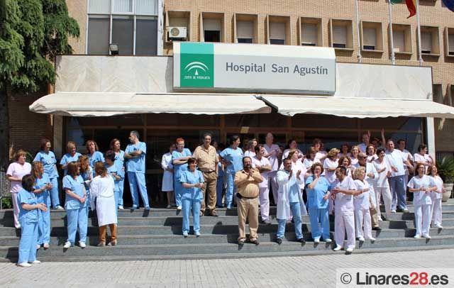 Los sanitarios del Hospital de Linares se movilizan contra los recortes