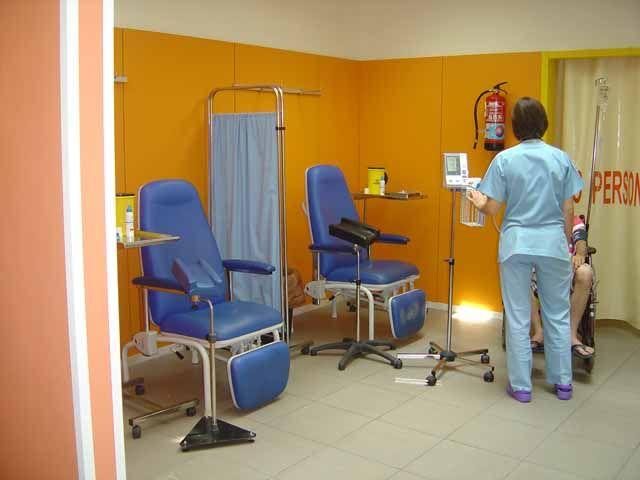 El Hospital de Linares abre una nueva consulta de enfermería para mejorar la atención a pacientes urgentes