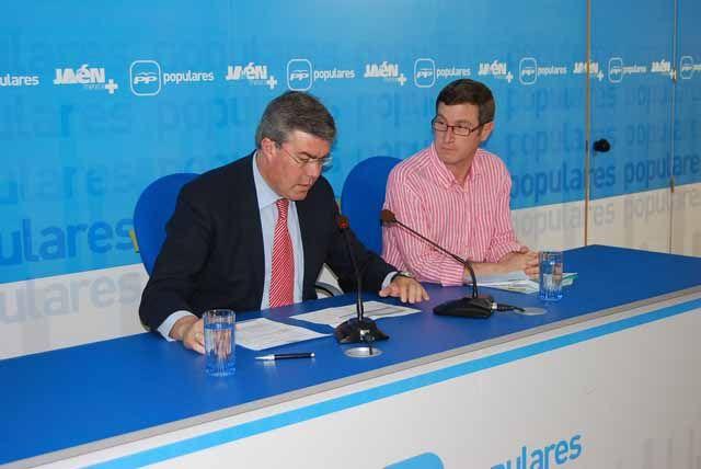 Fernández de Moya destaca el apoyo del Gobierno al destinar casi 320 millones de euros al Plan de Pago a Proveedores en la provincia