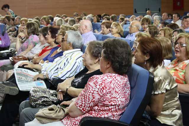 76 personas han participado en el Programa Universitario de Mayores de Linares
