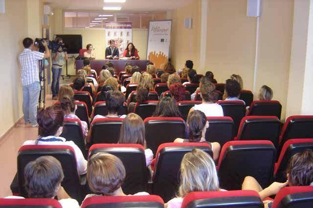 Más de 190 emprendedores creativo-culturales se forman dentro de las cápsulas de emprendizaje del Proyecto Lunar en Jaén