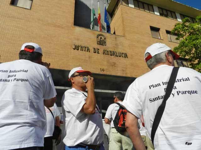 Los exsantaneros siguen con su particular guerra en Sevilla