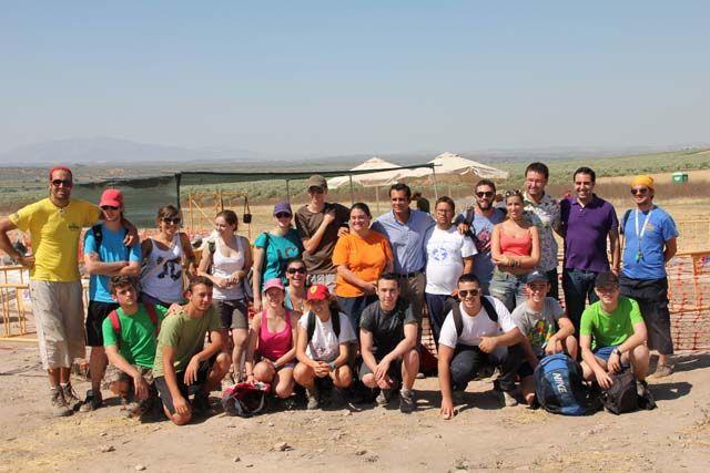 18 jóvenes de distintas comunidades autónomas participan en el campo de trabajo de Cástulo