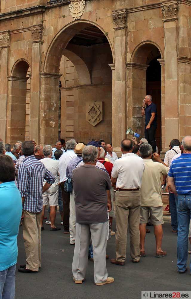 Las protestas de los exsantaneros viajan de Linares a Sevilla