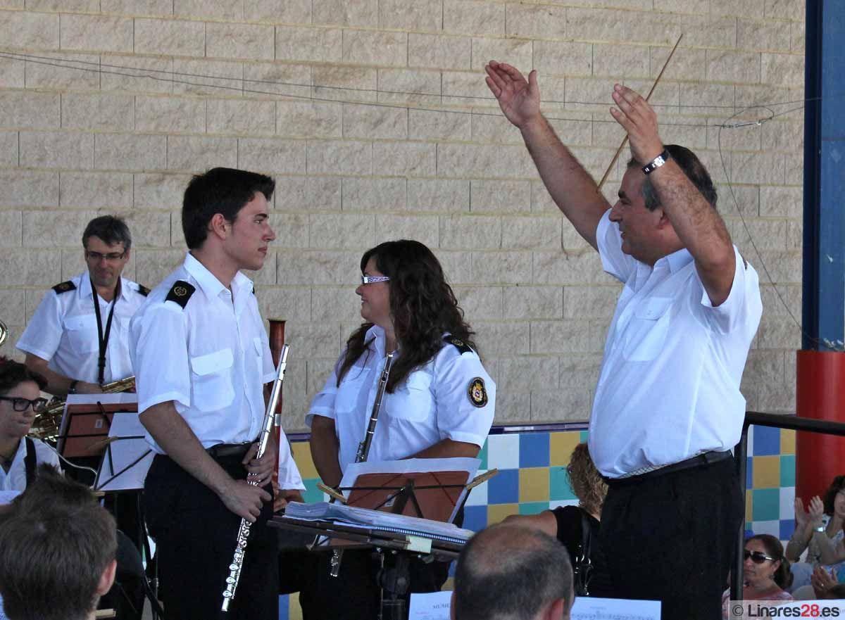 """La Banda Sinfónica """"Ciudad de Linares"""" interpreta el cuarto concierto de Feria"""