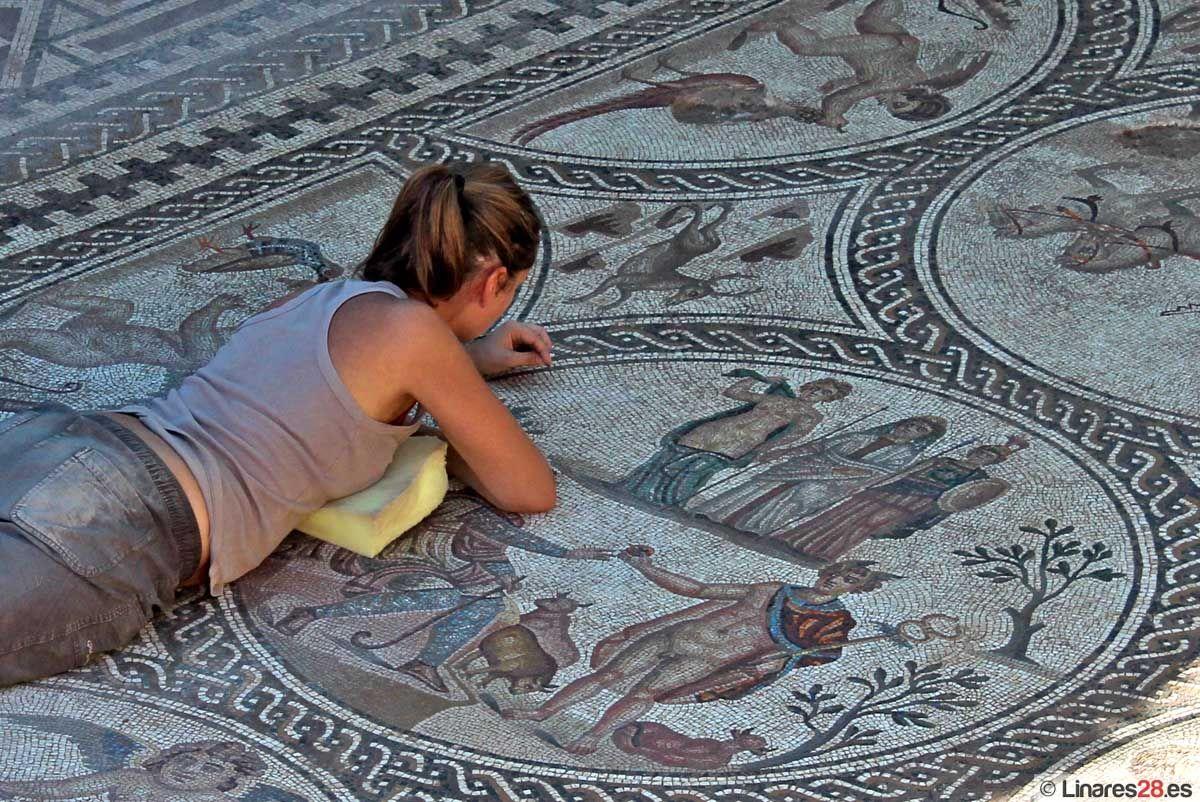 Cultura apuesta por una mayor investigación y difusión del Conjunto Arqueológico de Cástulo