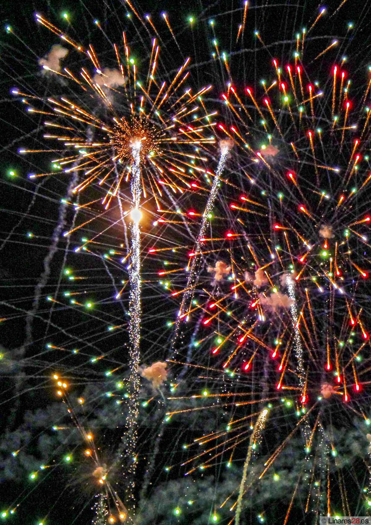 Fuego y música ponen el punto final a la Feria de Linares 2012