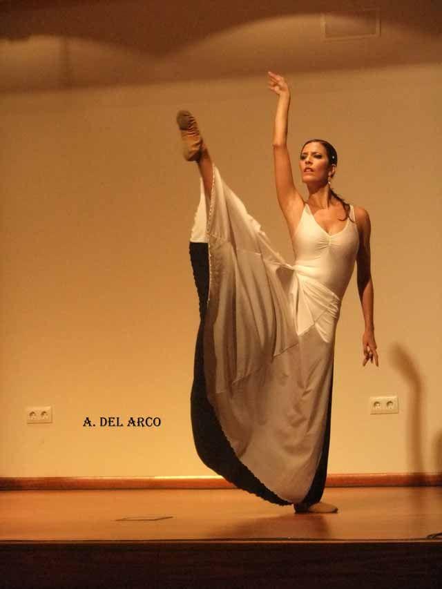 Música y baile para celebrar los Santos Ángeles Custodios
