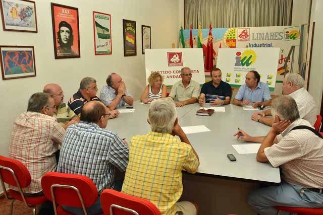 Juan Serrano se reúne con representantes sindicales de los extrabajadores de Santana
