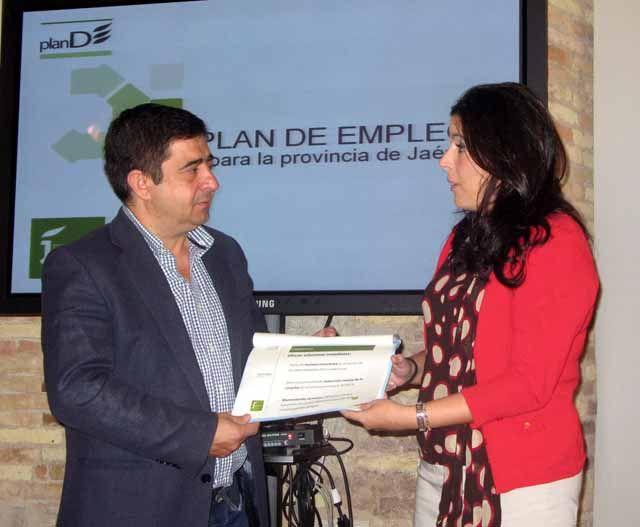 """El Plan de Empleo de la Diputación se amplía hasta los 10 millones de euros para """"dar respuesta a los desempleados"""""""