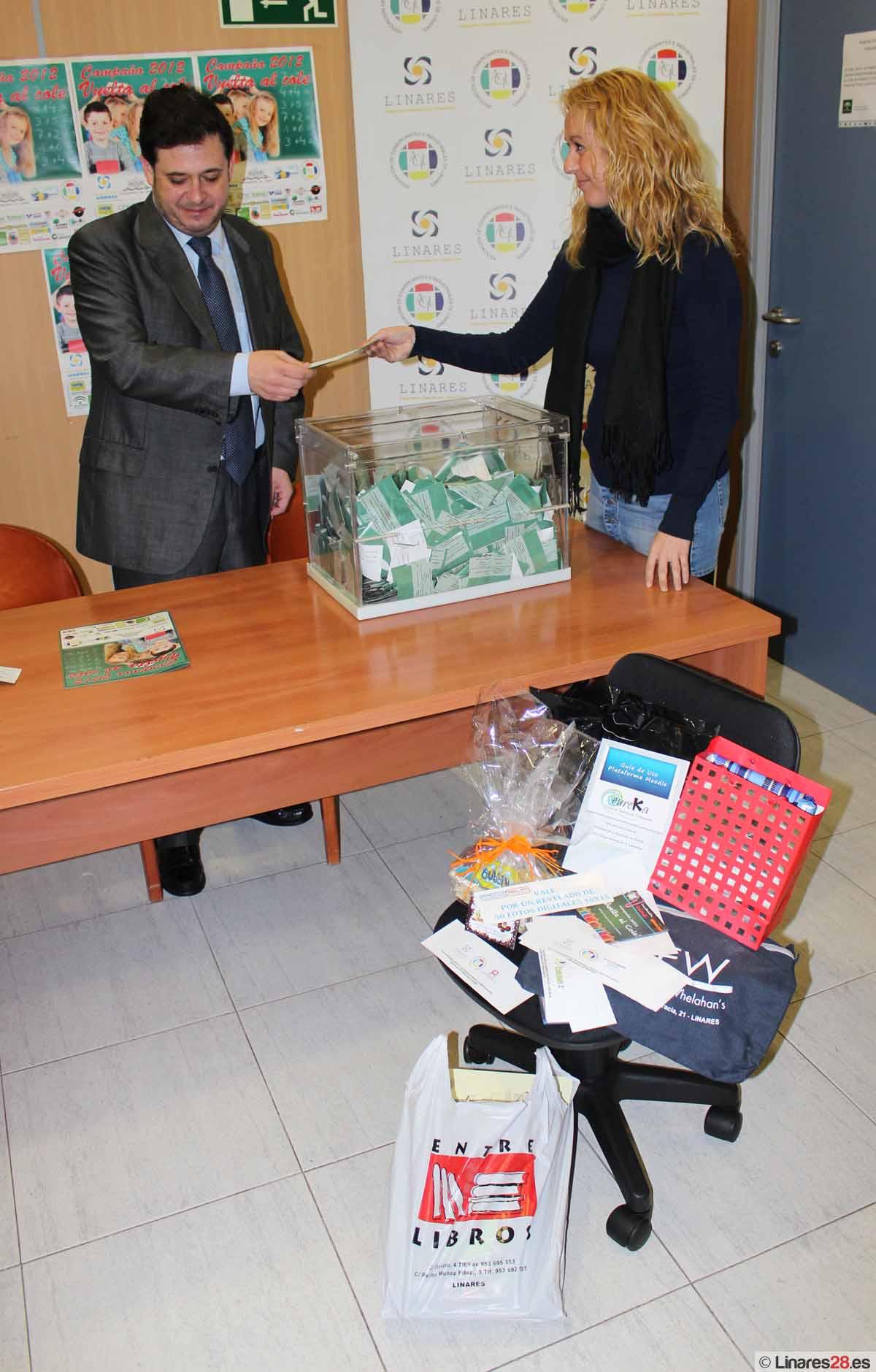 """ACIL celebra su sorteo de la campaña """"Vuelta al Cole 2012"""""""